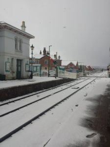 Neige dans une gare anglaise