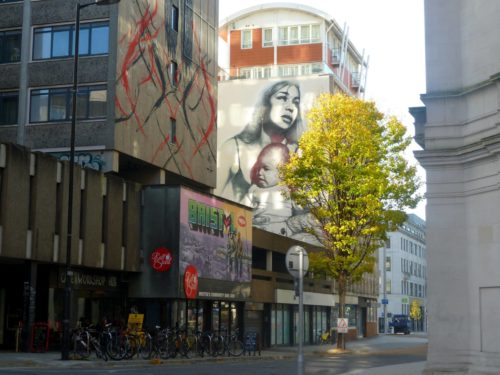 Street art dans une rue de Bristol
